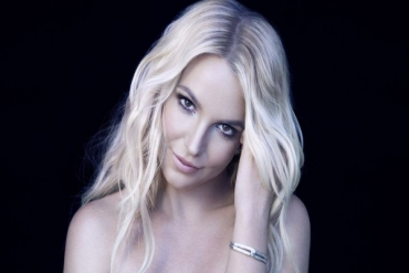 BRİTNEY SPEARS